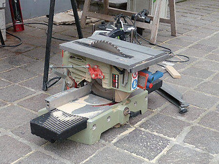 Combination Chop Saw and Table Saw Spotted in Bruges